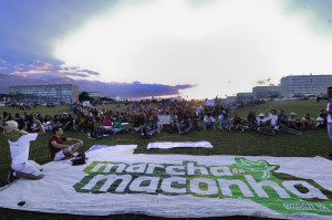Ativistas fazem ato público na Esplanada dos Ministérios em defesa da regulamentação da maconha no Brasil