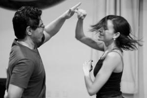 Aula de dança - condução compartilhada. Foto: André Castro.